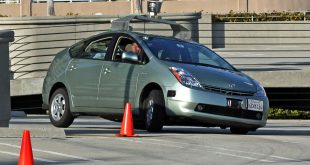 A Toyota Prius modified by Google to operate as a driverless car (WIkimedia).